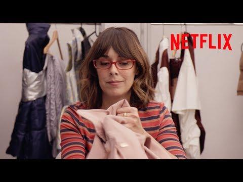 Magüi y el diablo viste de B-Fashion   Paquita Salas   Netflix España