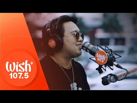 "Because performs ""Esmi"" LIVE on Wish 107.5 Bus"