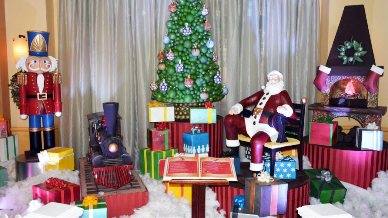 Chocolate Santa Claus and Nutcracker Christmas Display at Walt ...