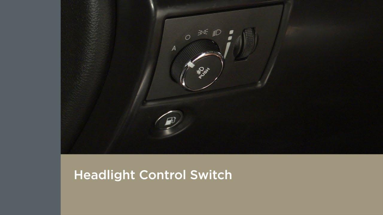Jeep Cherokee Altitude >> Headlight Controls | How To | 2019 Jeep Grand Cherokee ...