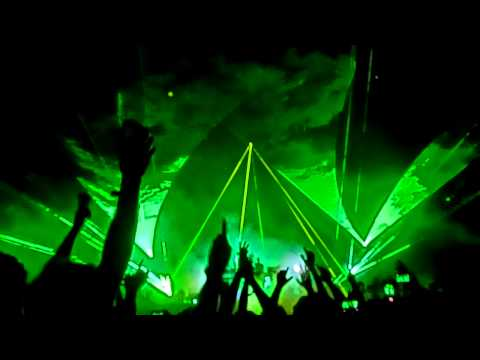 The Chemical Brothers - Opening minutes (Live @ Rock en Seine 2015, Paris)