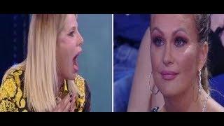 L'Isola dei famosi, Alessia Marcuzzi contro Eva Henger dopo lo scatto choc | Wind Zuiden