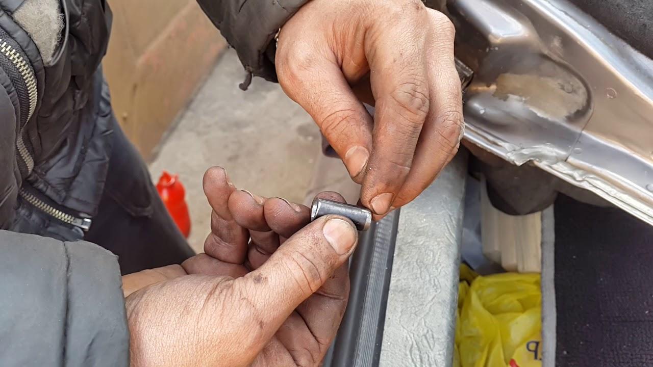 ремонт разбитой дверной петли, устраняем стук и люфт, самодельные втулки дверных петель опель кадет