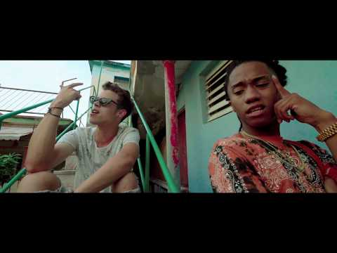 JULY ROBY & AARON BODDEN - TUS BESOS (VIDEO OFICIA)