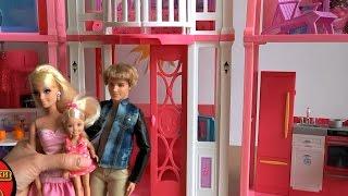 Дом Барби в Малибу, серия 345 Кен и Барби расставляют новую мебель в доме Barbie Malibu House