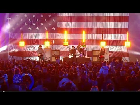 Fall Out Boy on VH1 Blitz