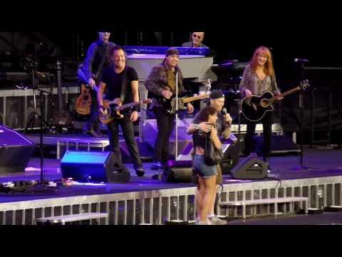 Bruce Springsteen - Jersey Girl - MetLife Stadium New Jersey August 25, 2016