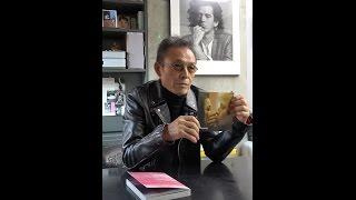 映画に深い見識をもち、自らもメガホンを取る写真家・操上和美さん。近...