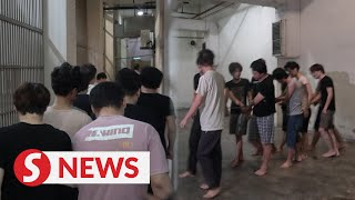 22 Chinese nationals claim trial to promoting online gambling