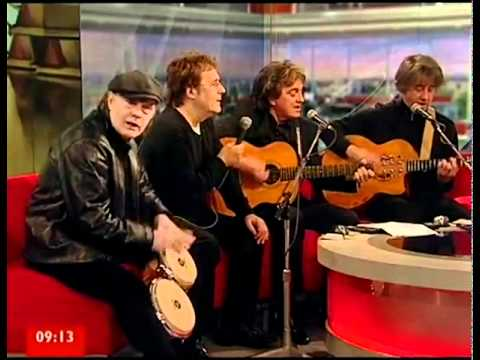 The Hollies   Busstop live 2010