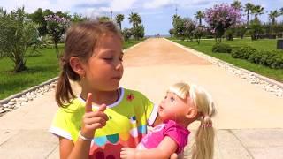 Эмилюша с Куклой Беби Бон Настей играют на Детской Площадке