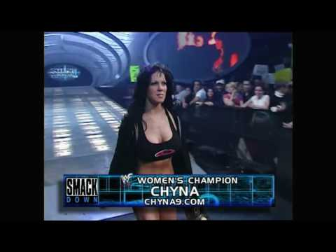Chyna vs Ivory - WWF Smackdown! (HD)