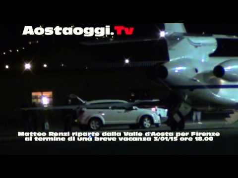 Matteo Renzi Valle d'Aosta finite vacanze decolla dall'aeroporto Corrado Gex di Saint Christophe