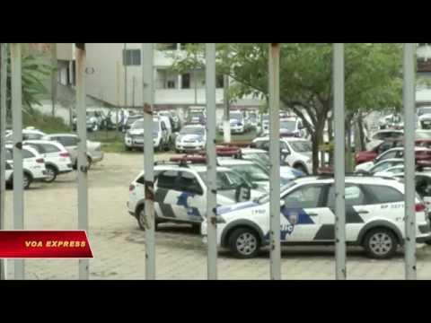 Cảnh sát Brazil đình công, hơn 100 người chết