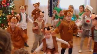 Раз морозною зимой шел медведь к себе домой (песня и танец в садике)