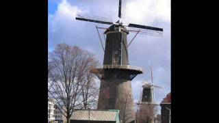 Windmill In Old Amsterdam I Saw A Mouse - Ronnie Hilton - Childrens Version