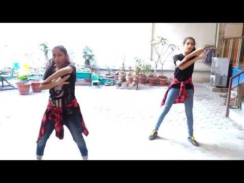 Chalti Hai Kya 9 Se 12 Full Song  Judwaa 2...