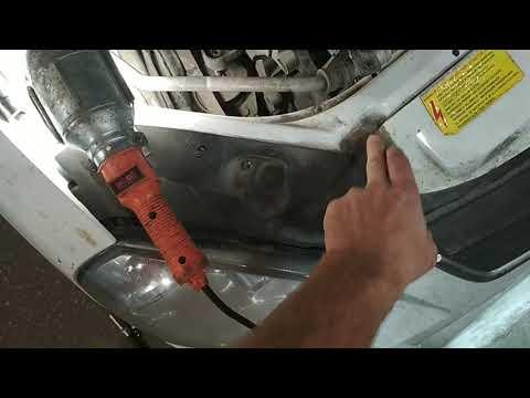 Как снять генератор на Приоре с кондиционером.