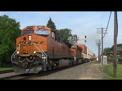 Railfanning Day 2 Feat CP Meet at LeClaire,IA!
