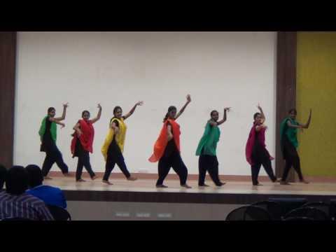 Bannari Amman college gals#TR StylerZz😎...