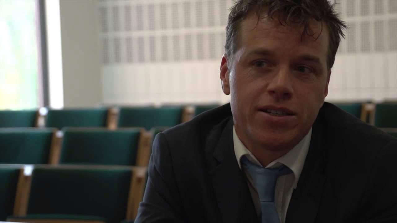 Nyenrode LDP - 2013 - Lars Oostveen - YouTube