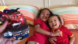 Bath Ball LIGHTNING MCQUEEN Surprise | Disney Cars | Lets Play Bath Boom for Kids