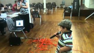 Prince Royce - El Amor Que Perdimos cantado por Robby Almonte con solo 3 anos.