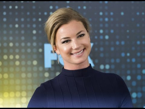 Thumbnail: Emily VanCamp dishes on her engagement to Josh Bowman