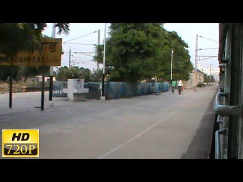 NCR Blast: 22911 Shipra Exp thrashes 13132 ANVT-KOAA Exp at Manda Road at full MPS