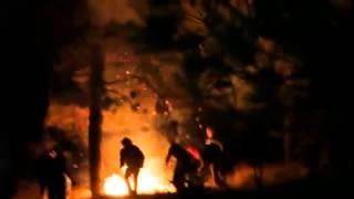 Polis yaktı üniversiteliler söndürdü