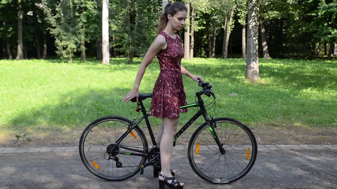 Надежду смотреть видео про девушек на велосипеде в юбке