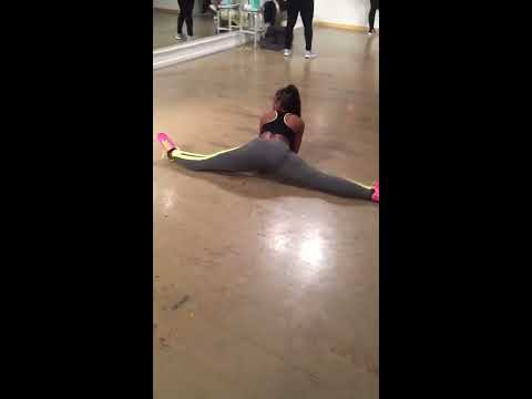 "QUEEN OF DANCE: Empress Cece | Freezy ""Split In Di Middle"""