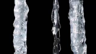 How to make realistic icicles out of hot glue