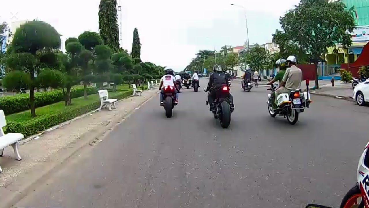 Đoàn Moto PKL được CA Giao Thông hộ tống ăn cơm trưa | MinhBiker