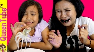 Spiderman vs Elsa baby eating skull challenge Giant Gummy Joker Feet vs Gross Real Food Candy Review