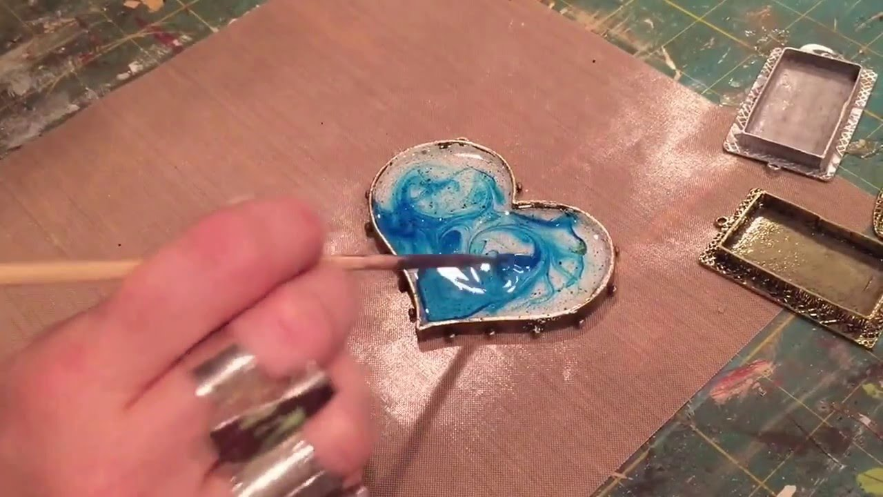 Creating Color And Movement With ICE Resin And Ranger Alcohol Inks - Coloring resin with alcohol ink
