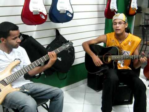 Ronaldo soul e Roger Bass na Erick Reis Instrumentos ais