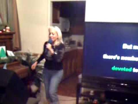 tweedyfan singing karaoke live at 10:32pm PST on 12/31/2009