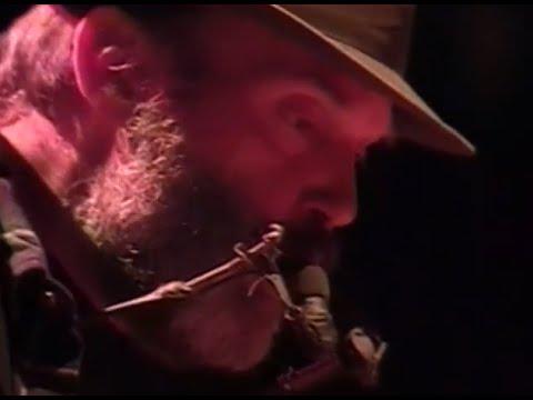 Download Neil Young - Full Concert - 10/17/98 - Shoreline Amphitheatre (OFFICIAL)