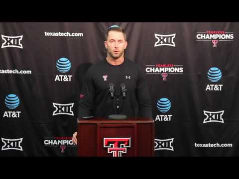 Kliff Kingsbury on