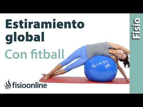 Estiramiento de espalda, brazo y pierna con fitball