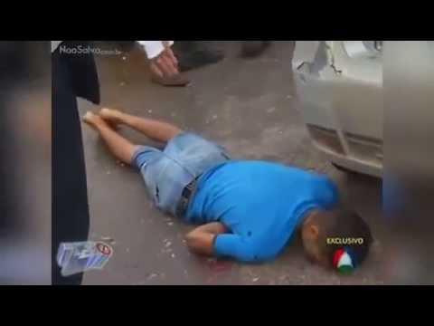 Reportero entrevista un cadáver en Brasil (#Video)