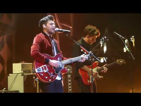 """Too Much to Ask"" Niall Horan@Wells Fargo Center Philadelphia 12/6/17 Jingle Ball"