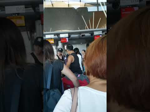 Chinese from China fighting over queue up at kota kinabalu airport  27.9.2017