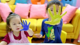 Learn Colors with Colorful Hands Painting - Xavi and Anna