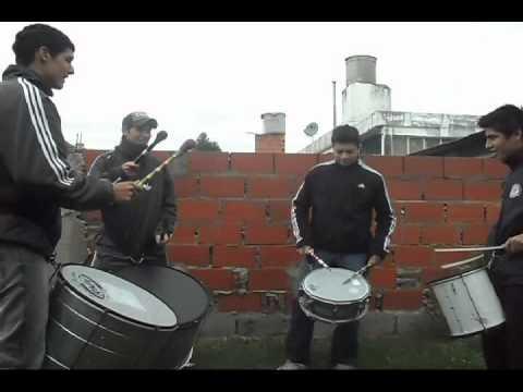 Batucada  Macacos do Samba Rosario .avi