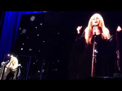 Stevie Nicks landslide Acc Nov 29 2016