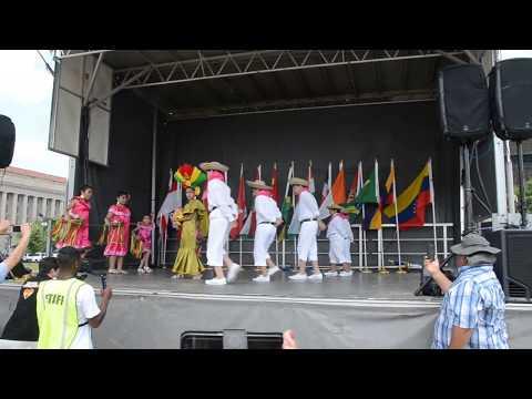 Ballet Bolivia en mi Corazon en Around the World Cultural Food Festival.