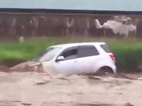 Heavy Rains at Coast - Mombasa Near Death Experience