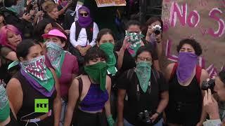 Marchan contra la violencia de género en Ciudad de México